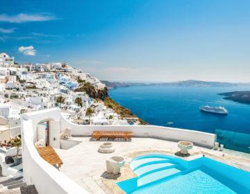 На греческом острове МИКОНОС туристы в ресторане за шесть кальмаров заплатили € 600